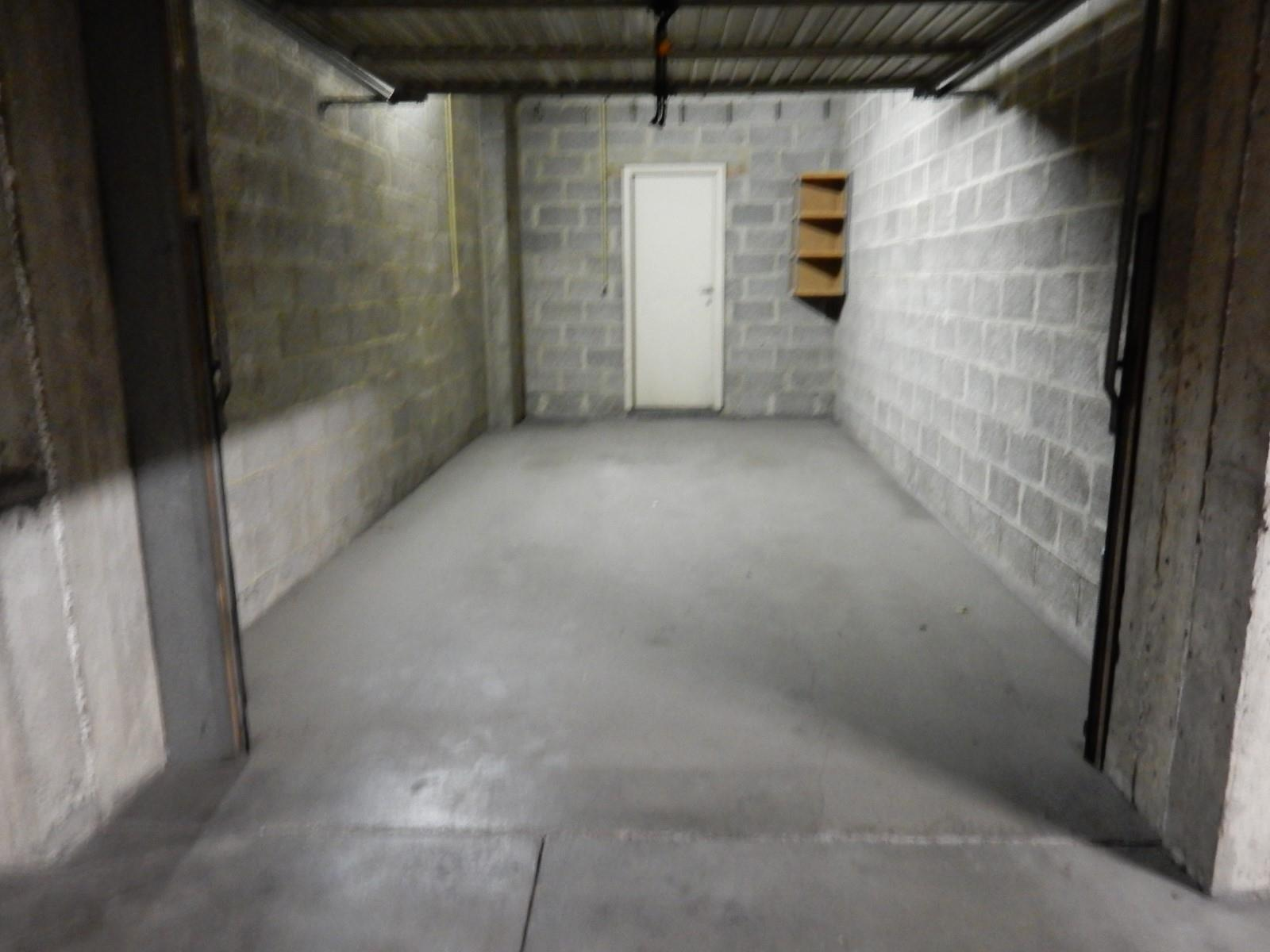 Garage (ferme) - Uccle - #3000588-1