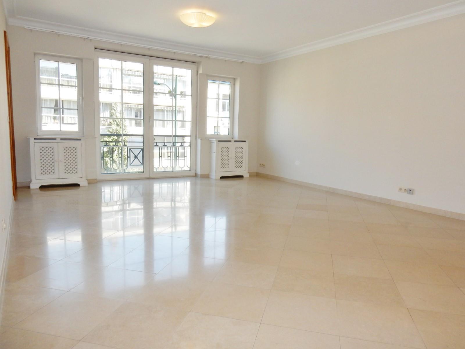 Exceptional apartment  - Woluwe-Saint-Pierre - #3201024-0