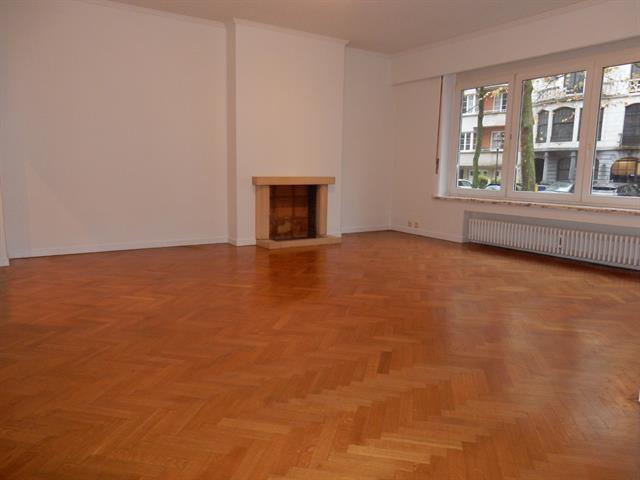 Appartement - Ixelles - #3270517-2