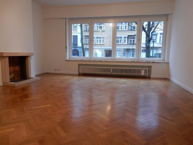 Appartement - Ixelles - #3270517-0