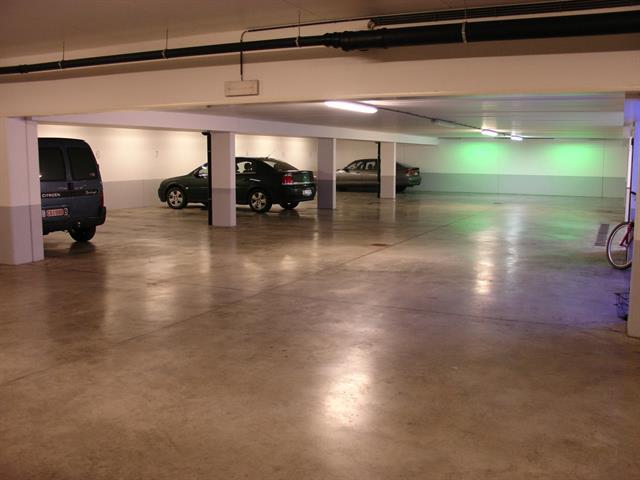Inside parking - Woluwe-Saint-Pierre - #3336506-1