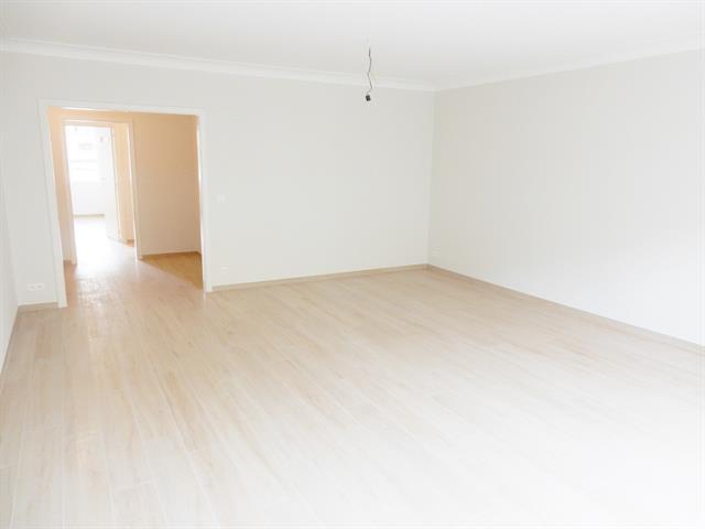 Flat - Schaerbeek - #3400611-2