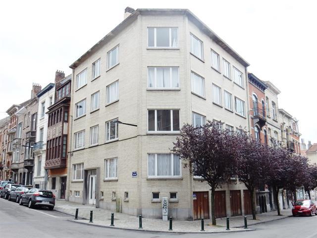 Flat - Ixelles - #3639360-0