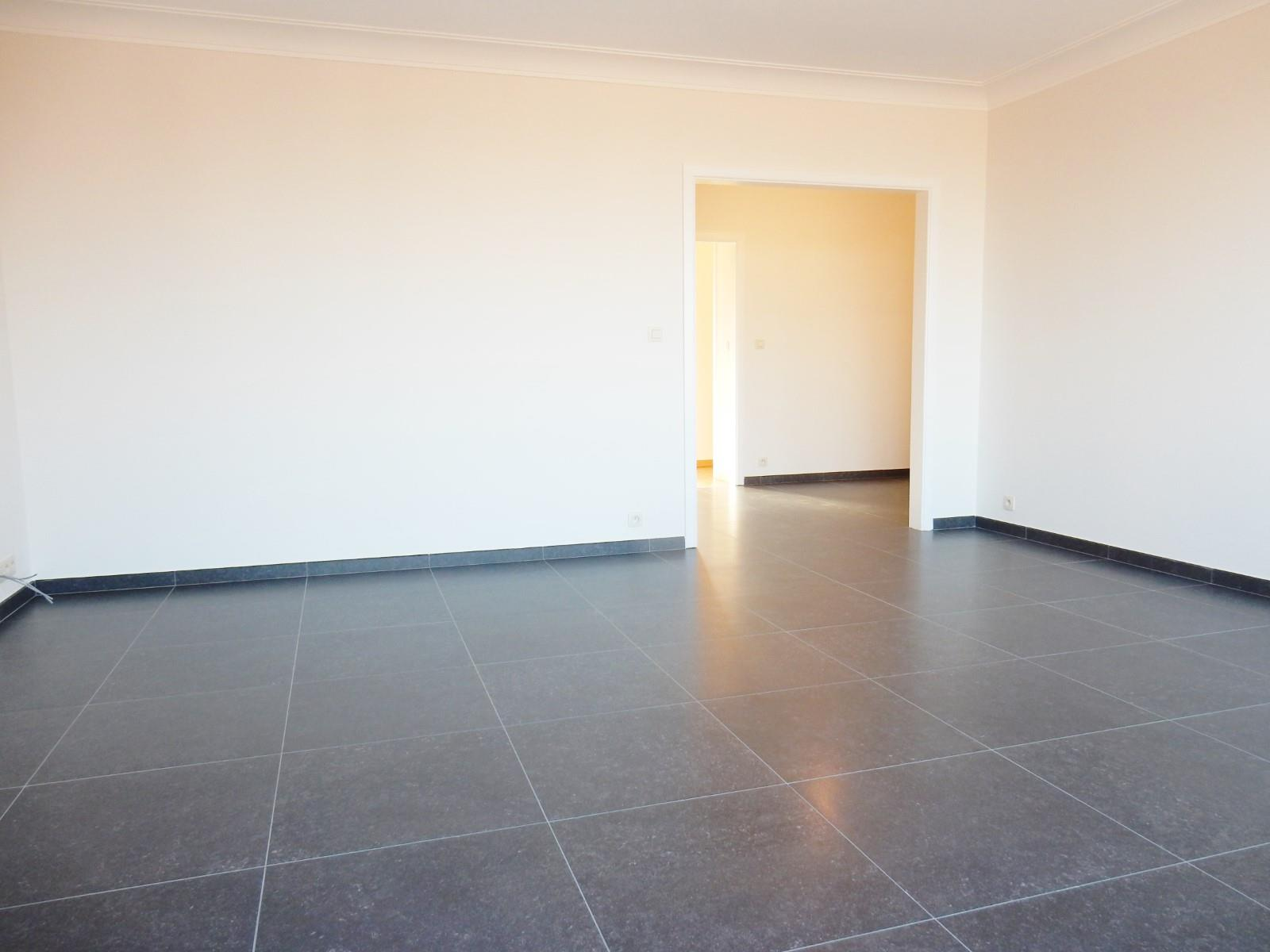 Flat - Schaerbeek - #3798122-1