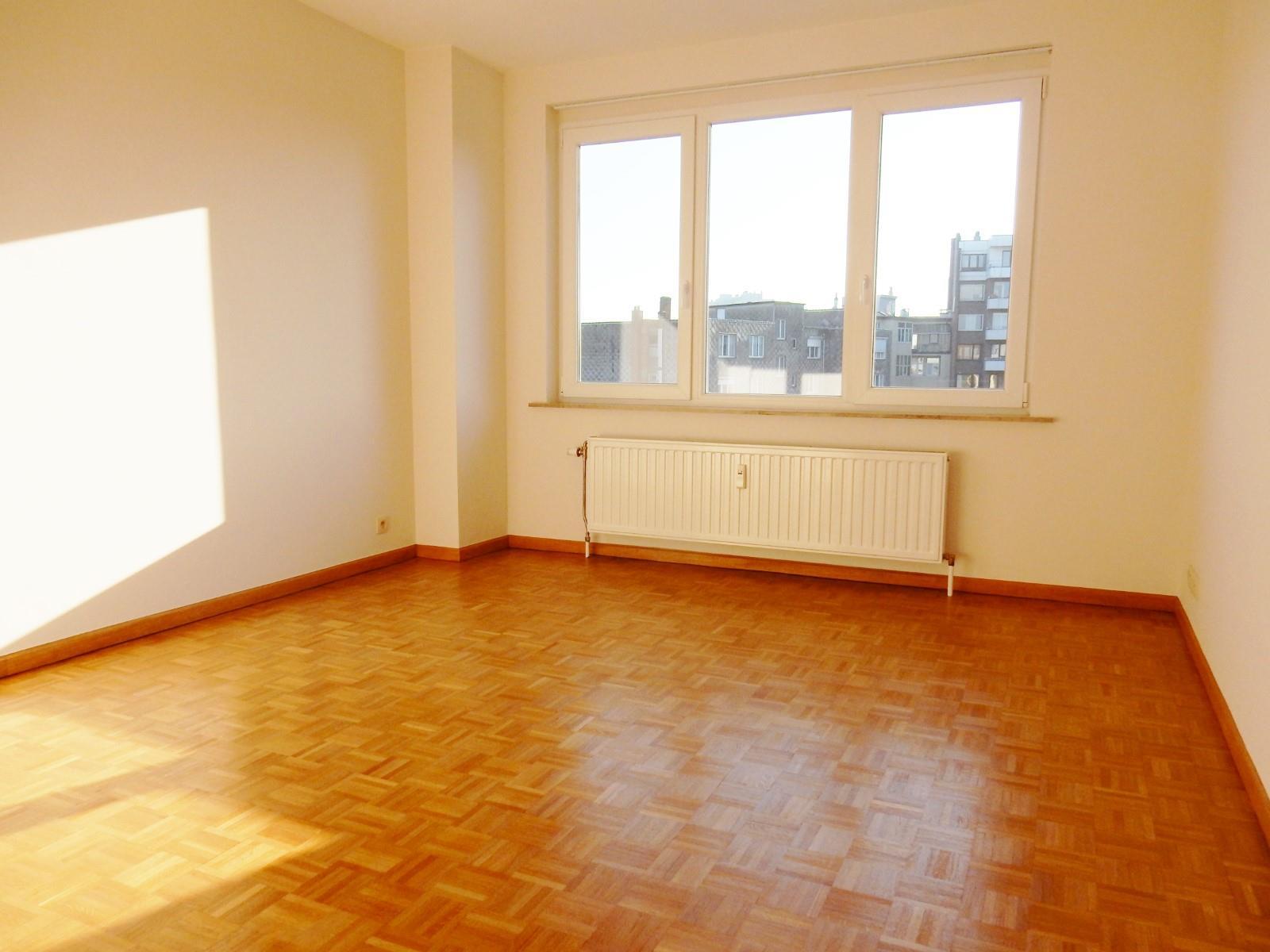 Flat - Schaerbeek - #3798122-5