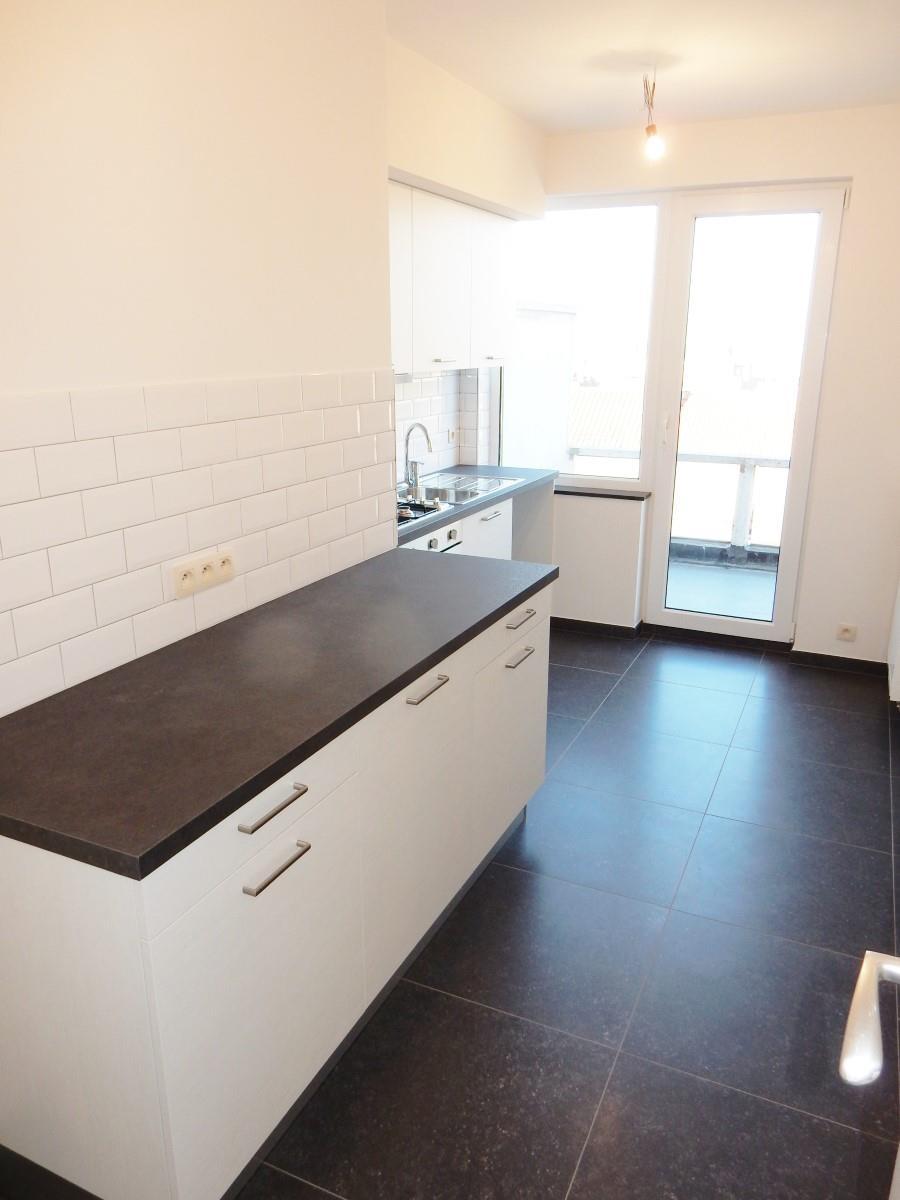 Flat - Schaerbeek - #3798122-3