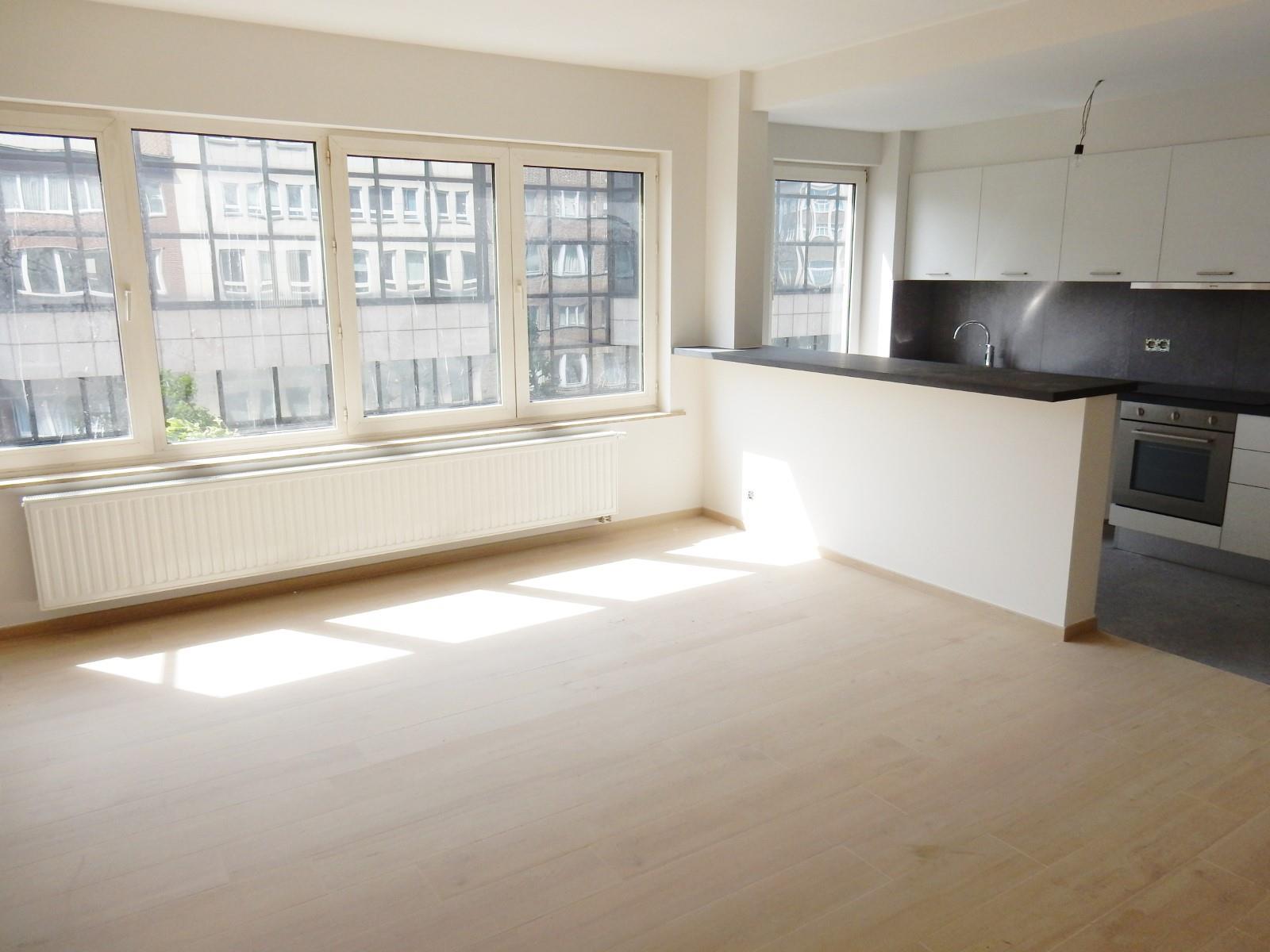 Appartement - Schaarbeek - #3798187-1