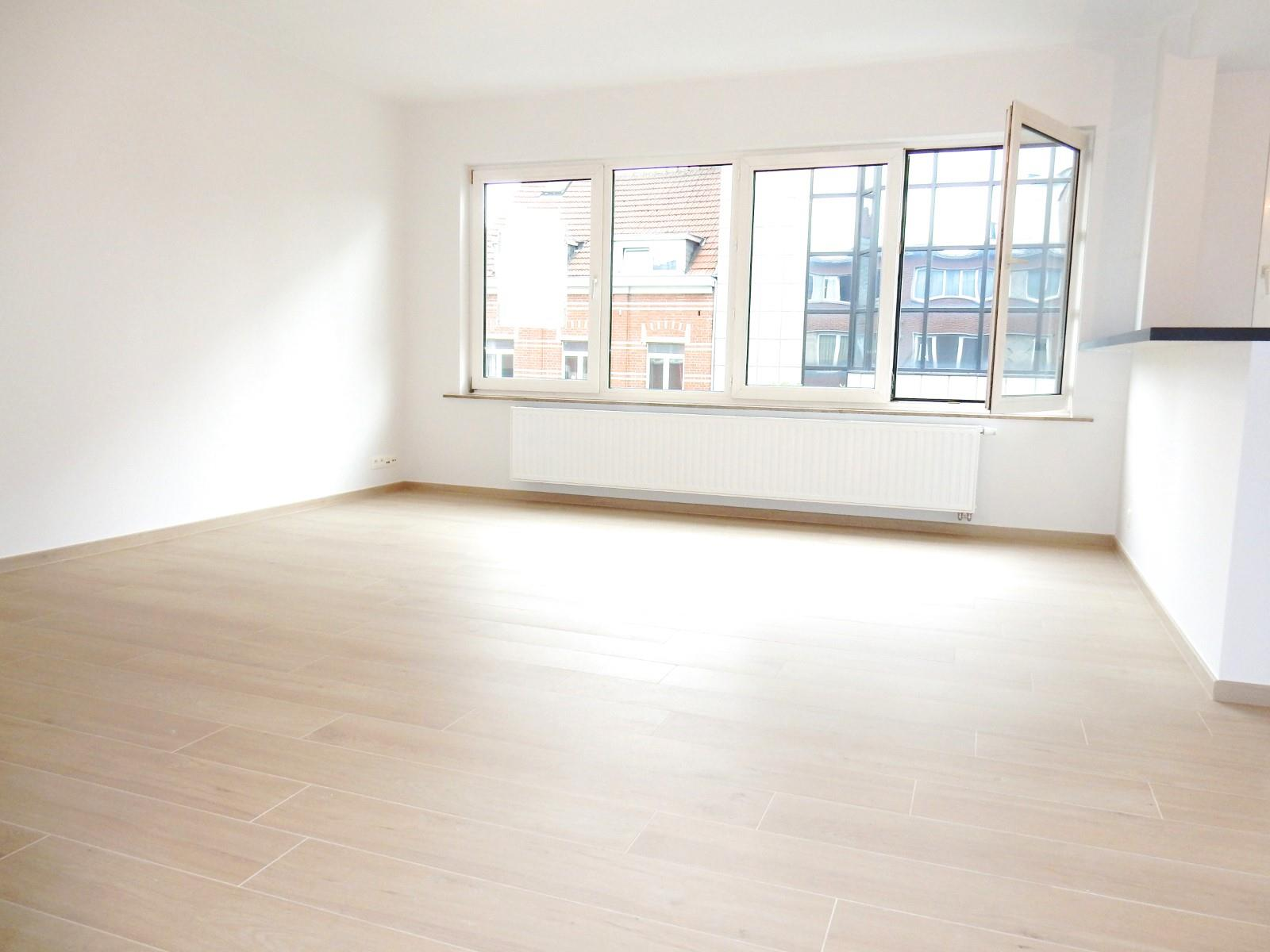 Appartement - Schaarbeek - #3798187-2