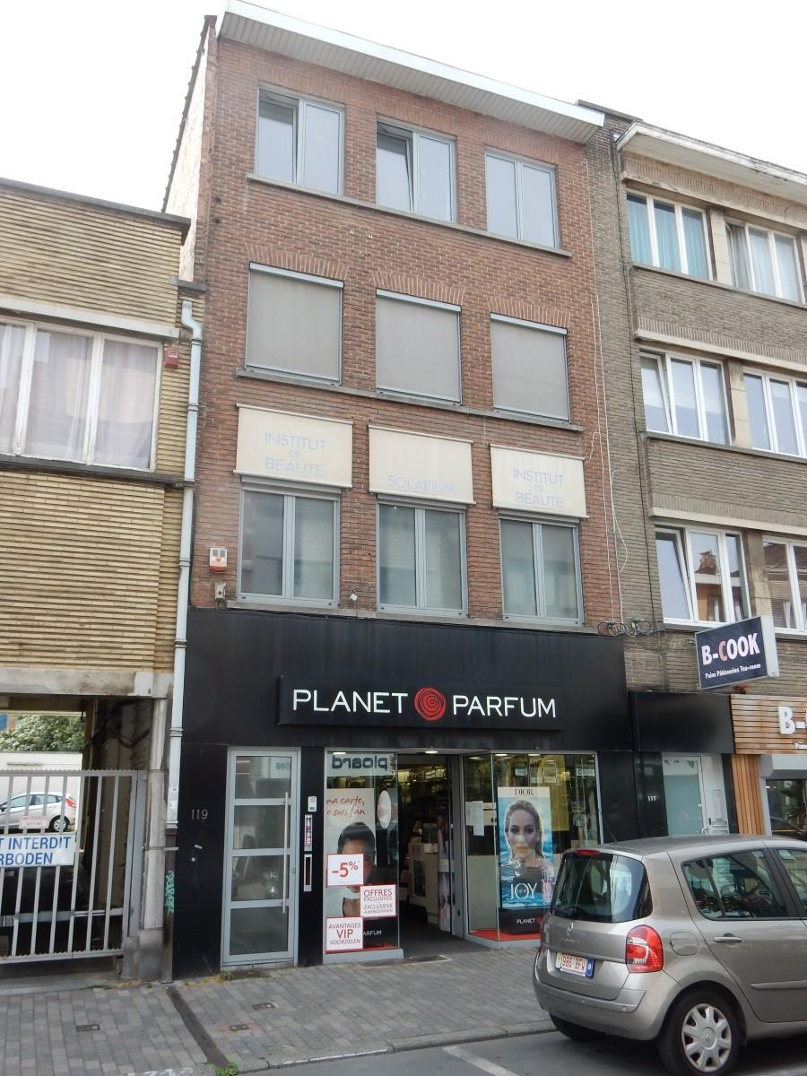 Commercial groundfloor - Uccle - #3847048-1
