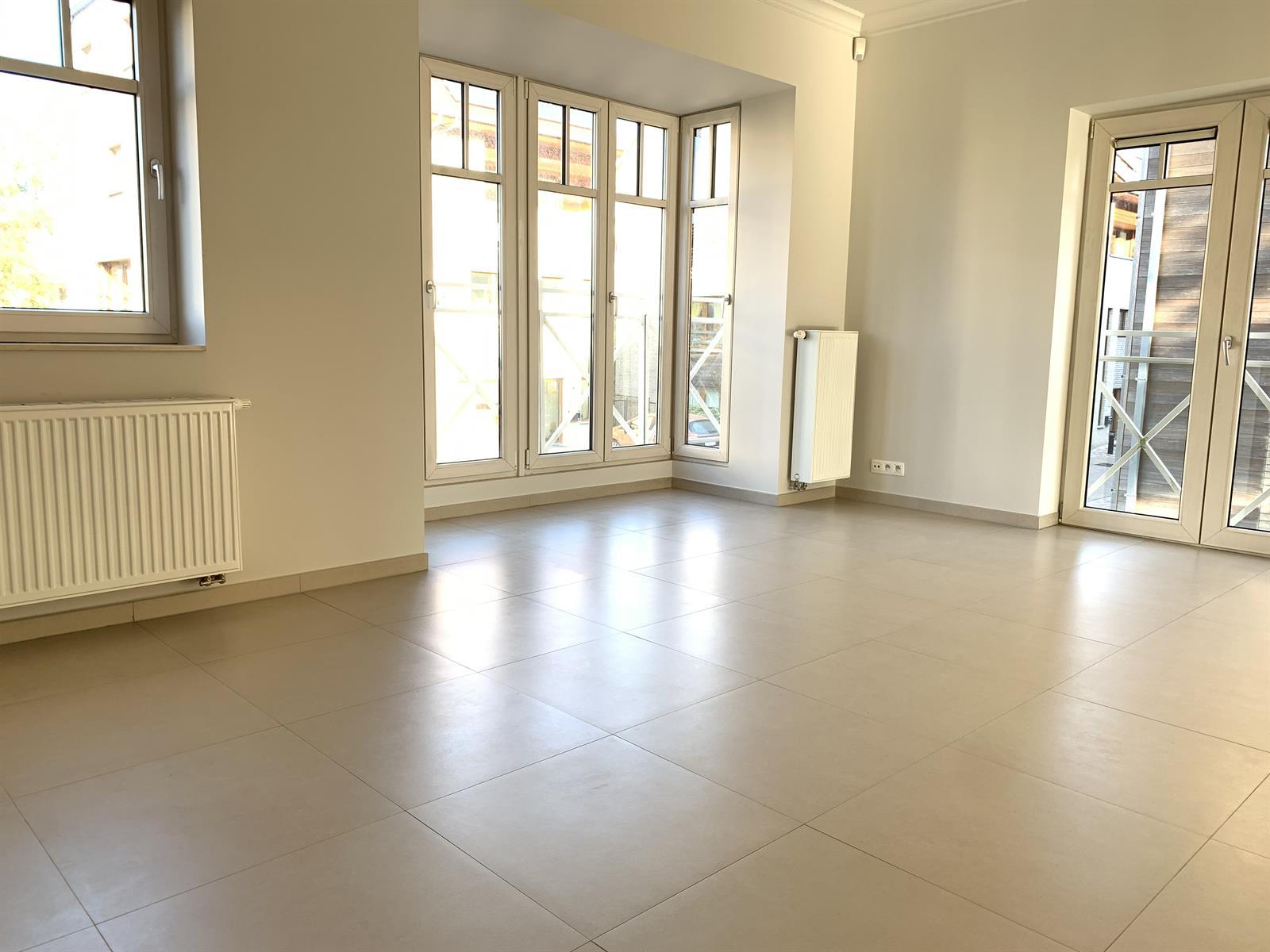 Villa - Evere - #3965255-3