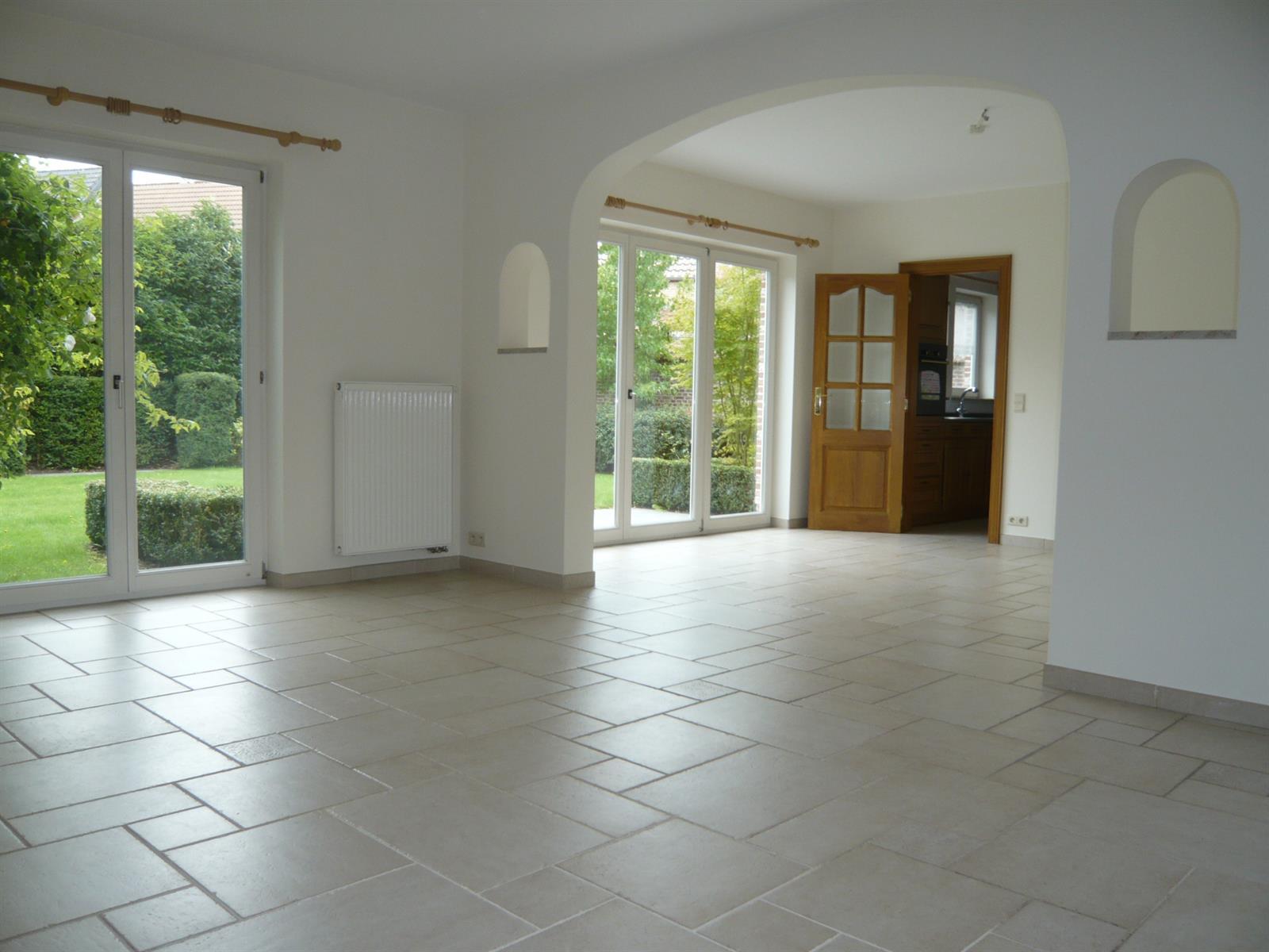 Villa - Braine-l'Alleud - #3981723-25